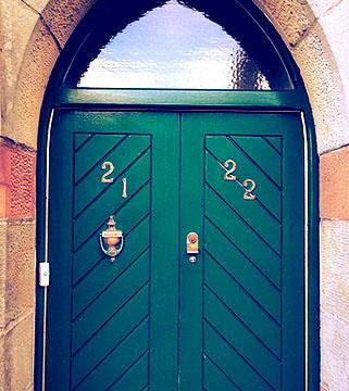 dungannon_frontdoor-crop-u133665