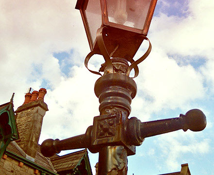 dungannon_lamp-crop-u133740